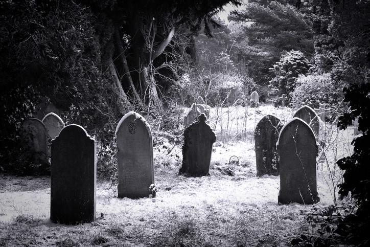 O absurdo julgamento dos mortos